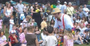 Children's Entertainer in Kent Magic OZ the best GUARANTEED